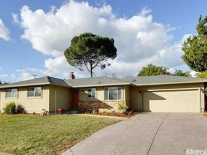 6053 Woodhaven Ave, Carmichael, CA 95608