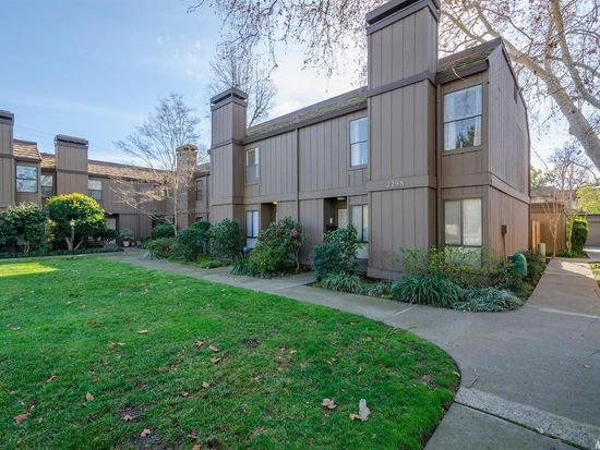 2298 Sierra Blvd, Unit A  Sacramento, CA 95825